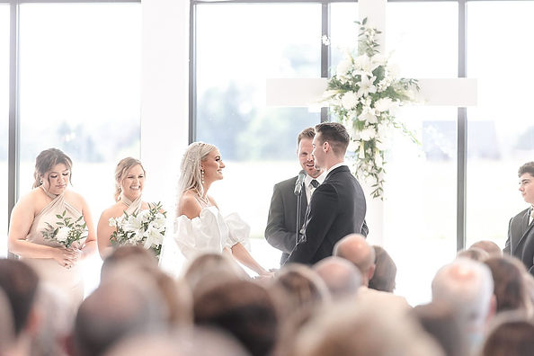classic-summer-commonwealth-event-center-wedding-in-paducah-kentucky-photos_0034-1536x1023