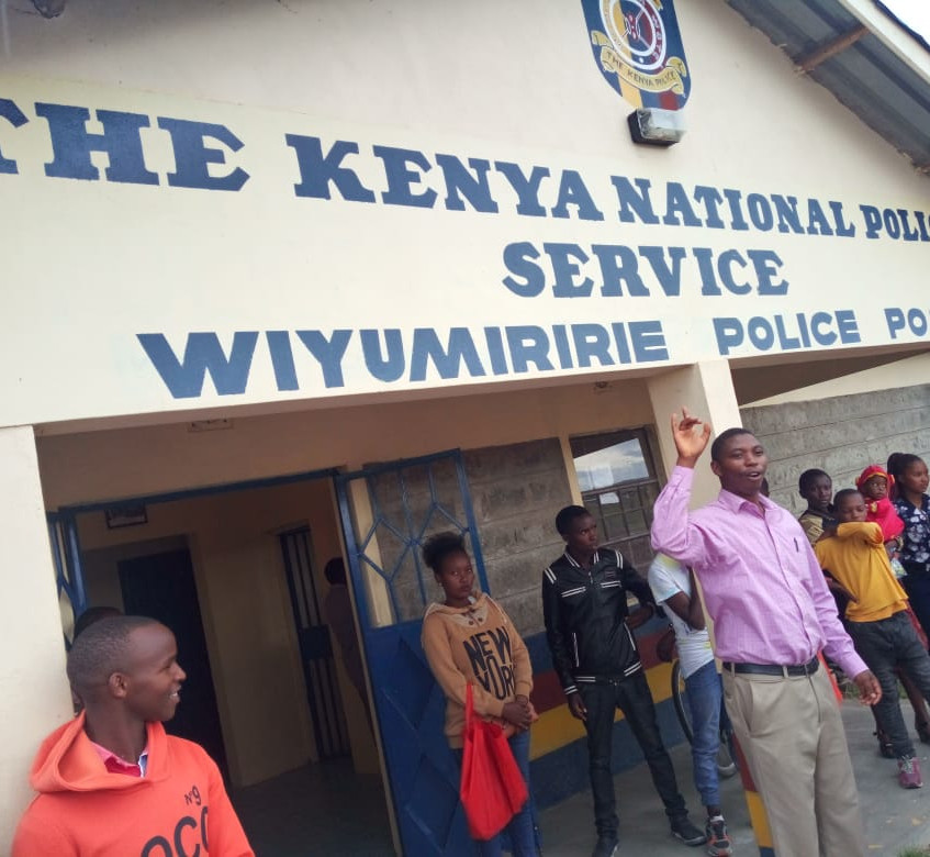 Robert addressing the police station officers.