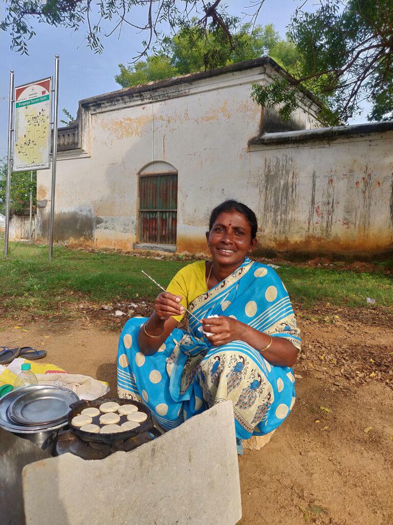 Ganga making Kuzhipaniyaram,Kanadukathan