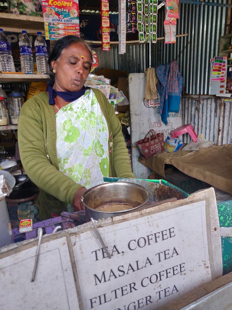 Kaveri teaching us how to make sukku coffee, Kodaikanal