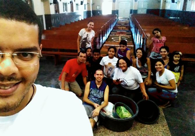 Primeira experiência de confeccionar tapete para o dia de Corpus Christi