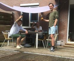 Vrijwilligers helpen met je tuin in Oost