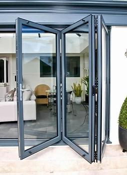 aluminium-bifold-door-2-large.webp