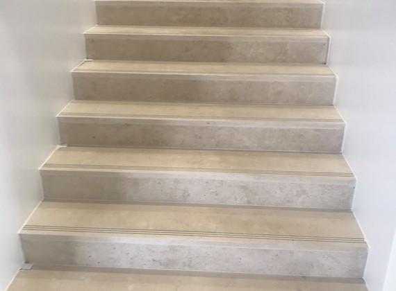 Escadas em mármore