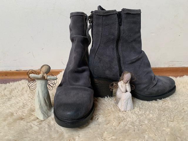 Dora's Shoes