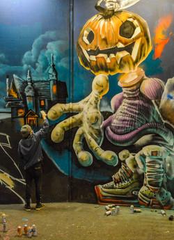 Graffeur dans Leake Street Tunnel