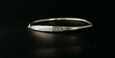 Spring Clip Bangle - Silver