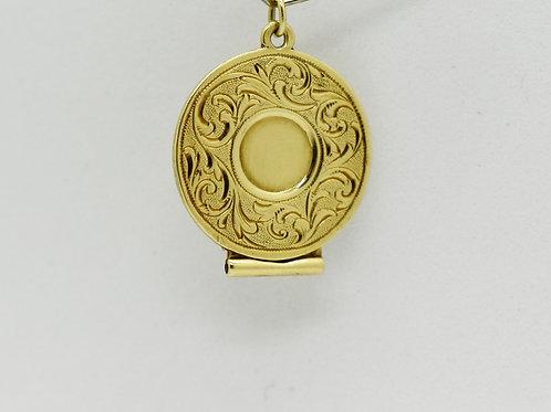 Gold Cigar Trimmer Pendant