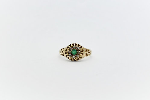 Vintage Emerald and Diamond Flower Ring