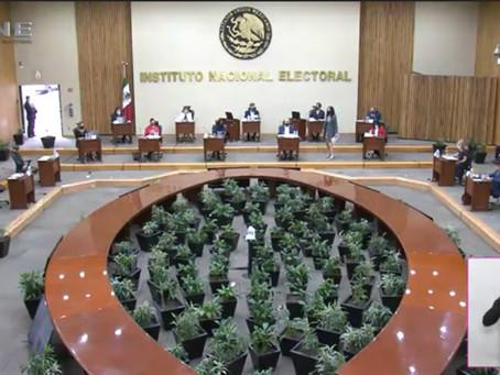 """Presentan iniciativa para """"silenciar"""" a consejeros del INE"""