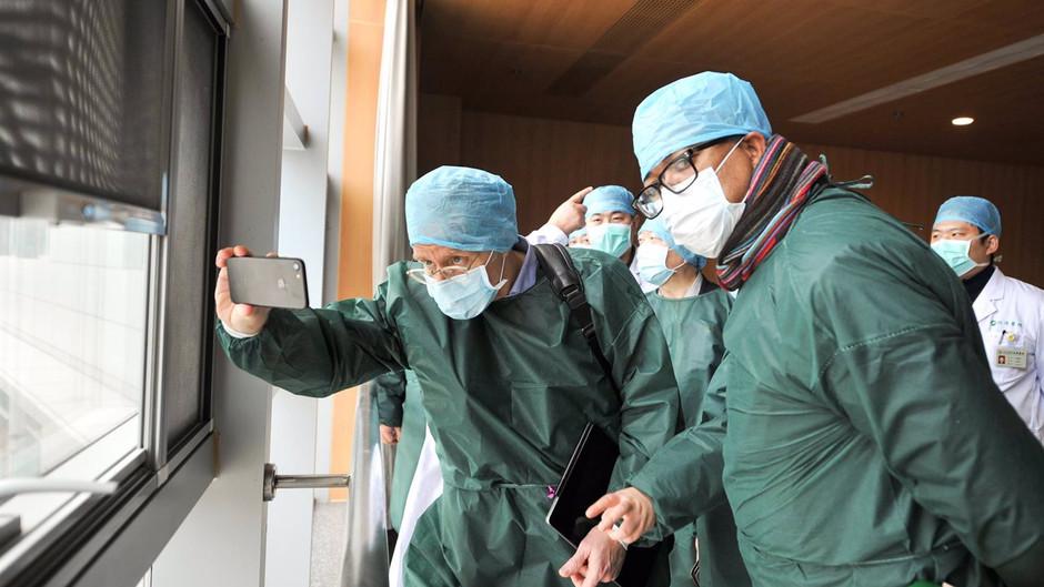 """OMS responde a AMLO sobre vacunas: """"Mande a sus expertos"""""""
