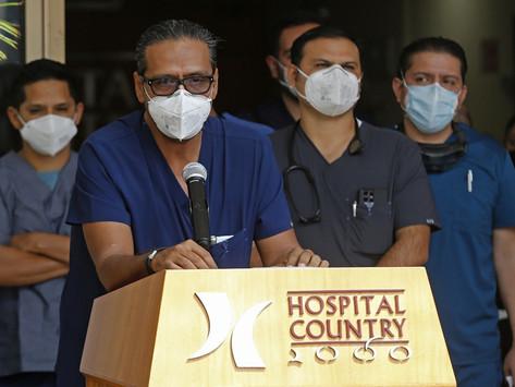 Familia de Vicente Fernández pide segunda opinión en torno a su salud