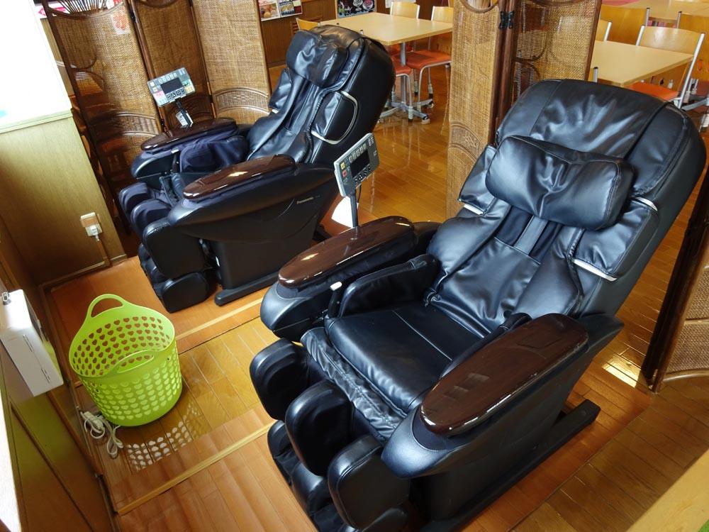 7_massagechair.jpg