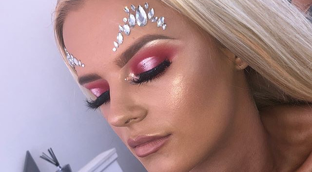Parklife festival makeup on this beauty!