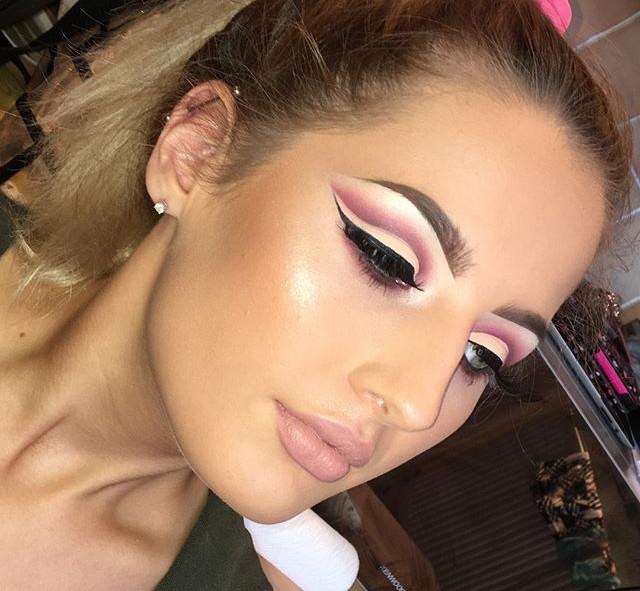 Cut Crease Make-up on the Beautiful _emi