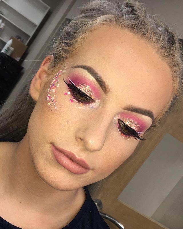 Festival Make-up 🦄🌸🍭✨ Message for app