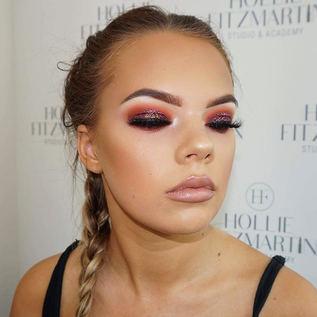 Glitter Eyes 🔮🔮 Using the amazing _tat