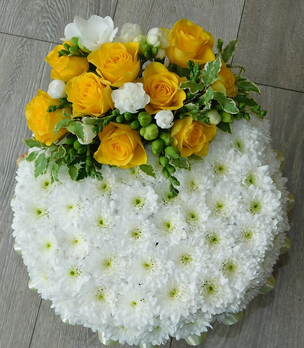 Lemon Posy Arrangement with Top Spray