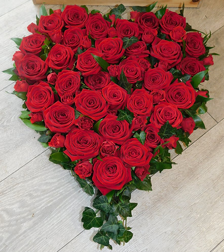 Red Rose and Ivy Heart