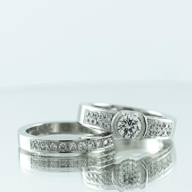 Pave diamond ring set.jpg