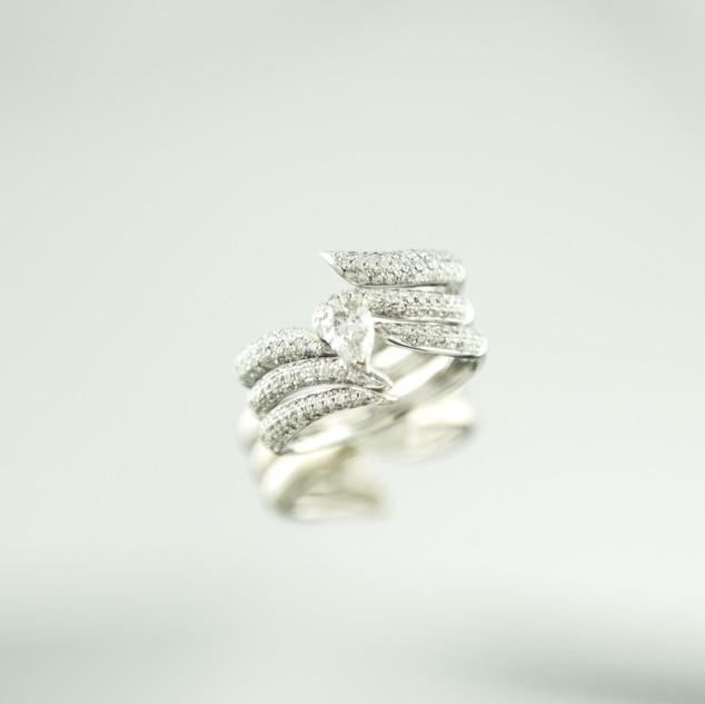 Sweep Pave diamond ring set.jpg