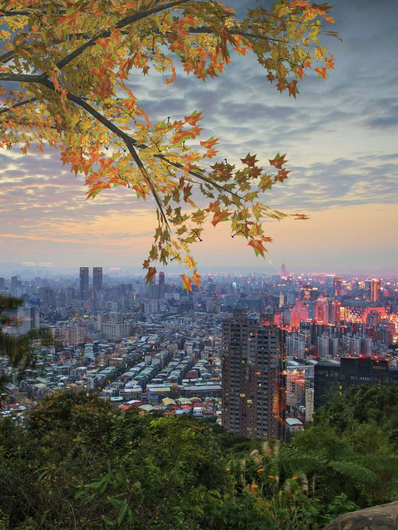 Taipei-Taiwan-evening-skyline-0000444855