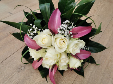 Bruidsboeket Danielle Anthuriums en rozen