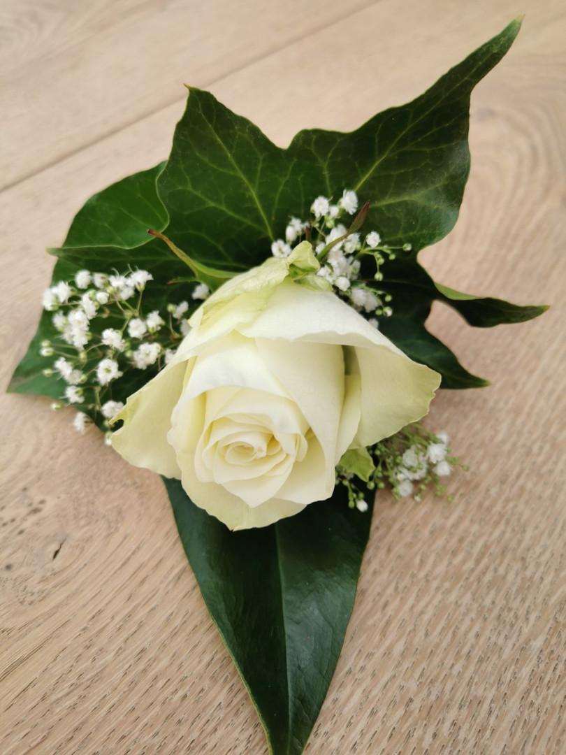Corsage op de bruiloft van Danielle en René