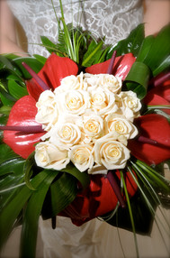 Bruidsboeket Anthuriums en rozen