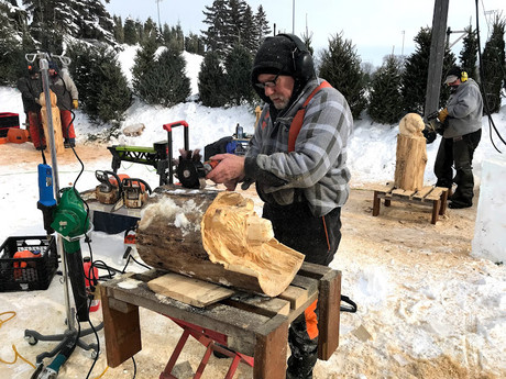 Chainsaw Carver Marty Duerincx