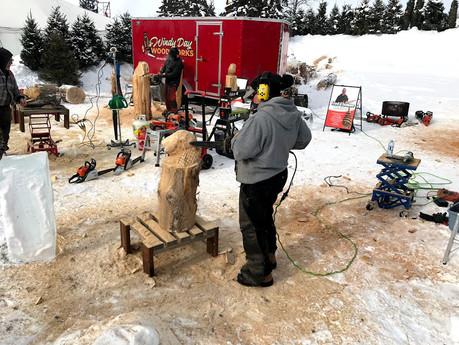 Chainsaw Carver De-Ann Holmes