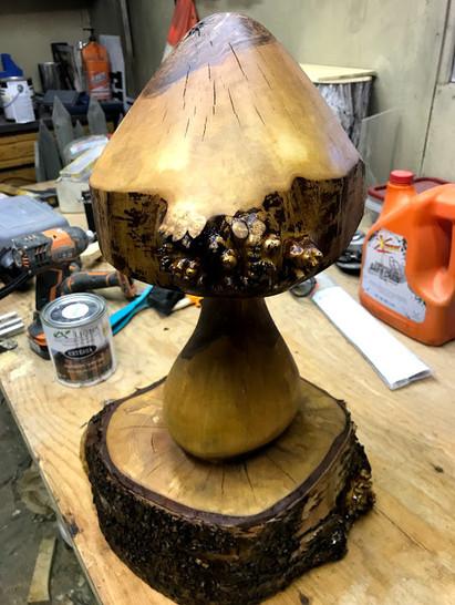 chainsaw carve mushroom