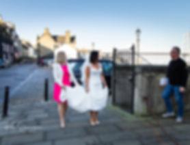 father suprises bride before wedding