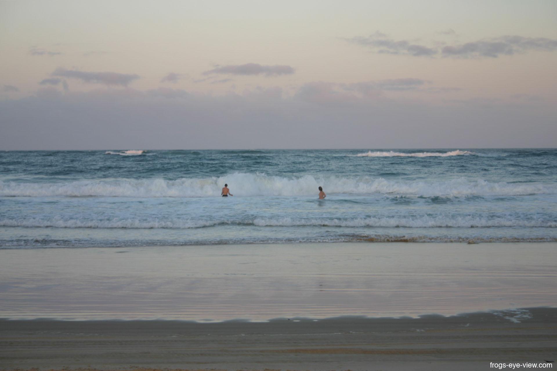 02_Swimming in ocean Kopie