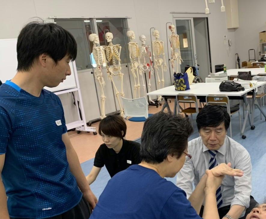 合同研修会川平先生4.jpg
