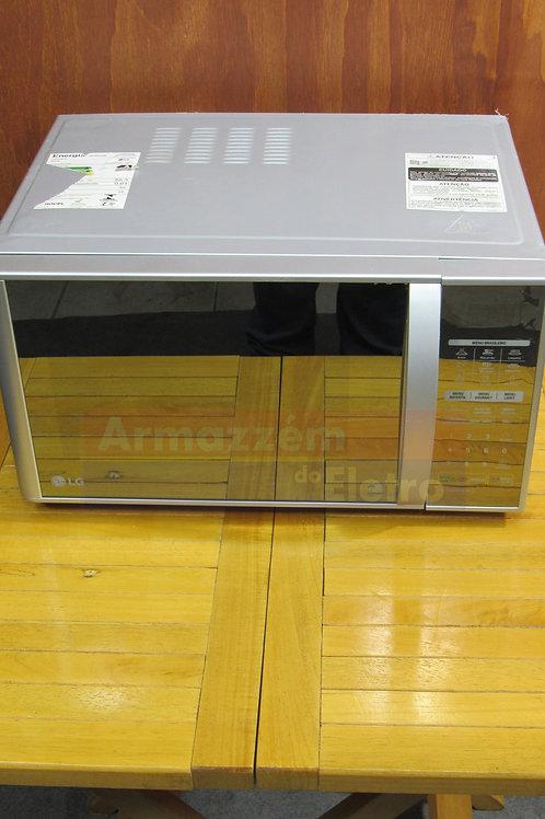 Micro-ondas LG EasyClean 30 Litros MH7053R