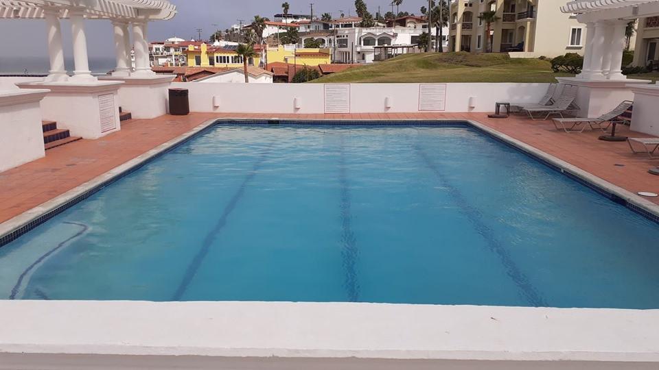 Pool Ocean Front