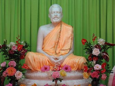 16_marble_Image_of_Sri_Ramakrishna-652x4