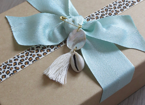 Small Gift Box with Tassel and Seashells