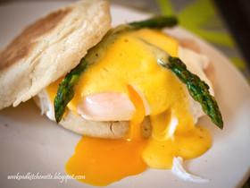 Egg Benedict & Hollandaise Sauce