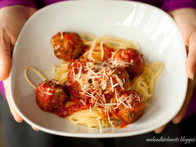 Tasty Meaty Meatballs in Tomato Sauce