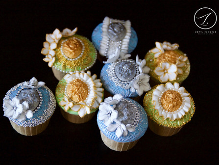 Vintage Gold & Silver Floral Brooch Cupcakes
