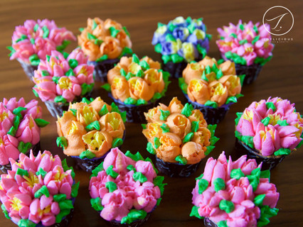 Buttercream Tulips Cupcakes