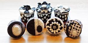 Vintage Black & White Cupcakes