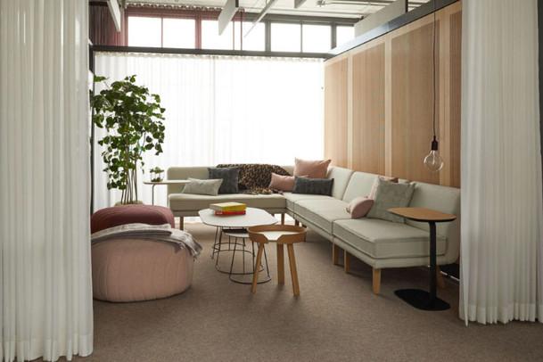 Project: Knoll Chicago Fulton Market Interior Design: Gensler Photo Courtesy of: Knoll  custom white drapes