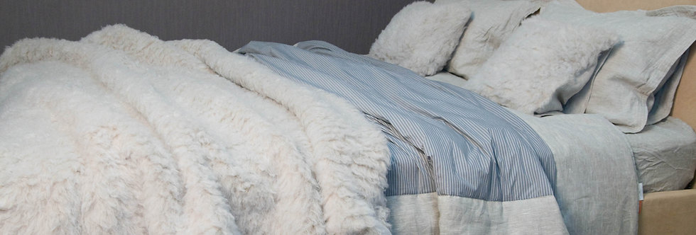 Throw Blanket Made of Hemp Fur