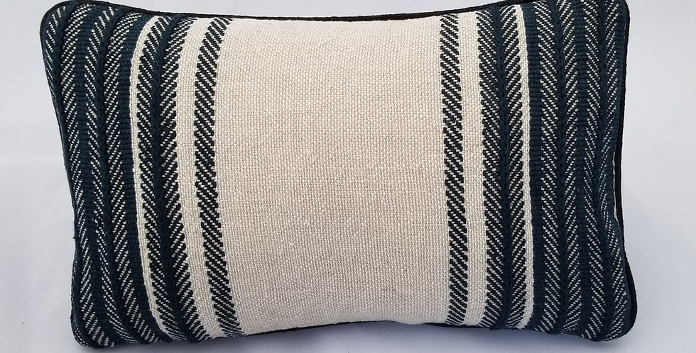 Hand Woven Decorative Pillow Sosnova