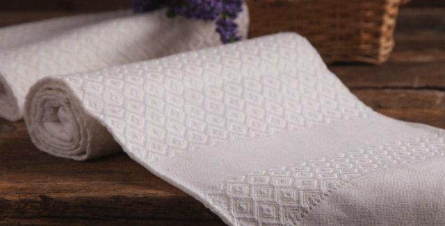 Italian made luxury guest towel white pattern