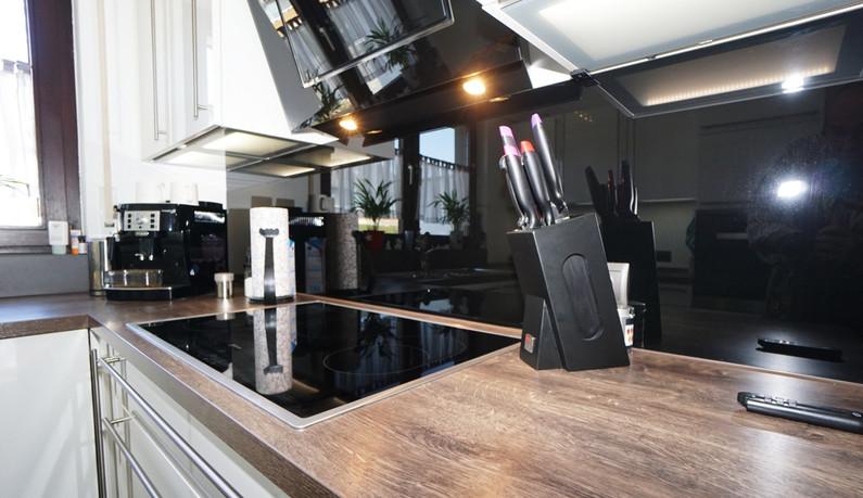 Küche inkl. moderner EBK
