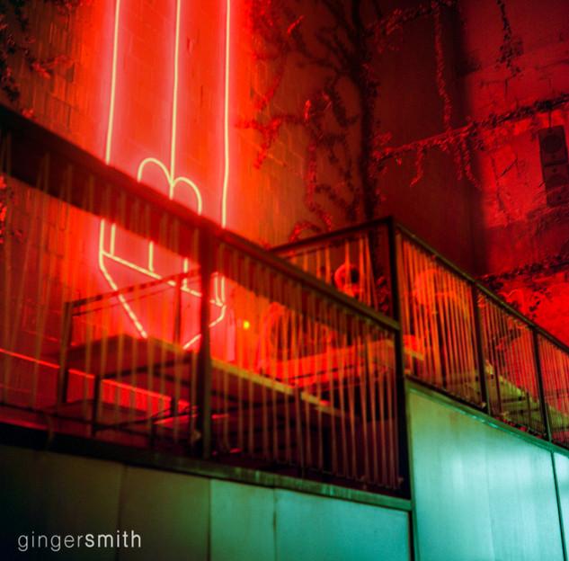 untitled 4 (fluorescent, Sala Equis Madrid), 2019